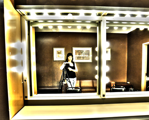 0848_yul_brynner_brown_dressingroom_web